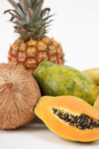 Papaya   Bizim pek tanımadığımız tropikal bir meyve olan papaya da yüksek miktarda C vitamini, karotenoid, lif ve potasyum içerir.